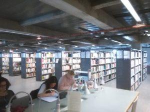 3. kerroksen kokoelmia ja työskentelytilaa